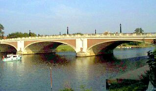 hampton_bridge
